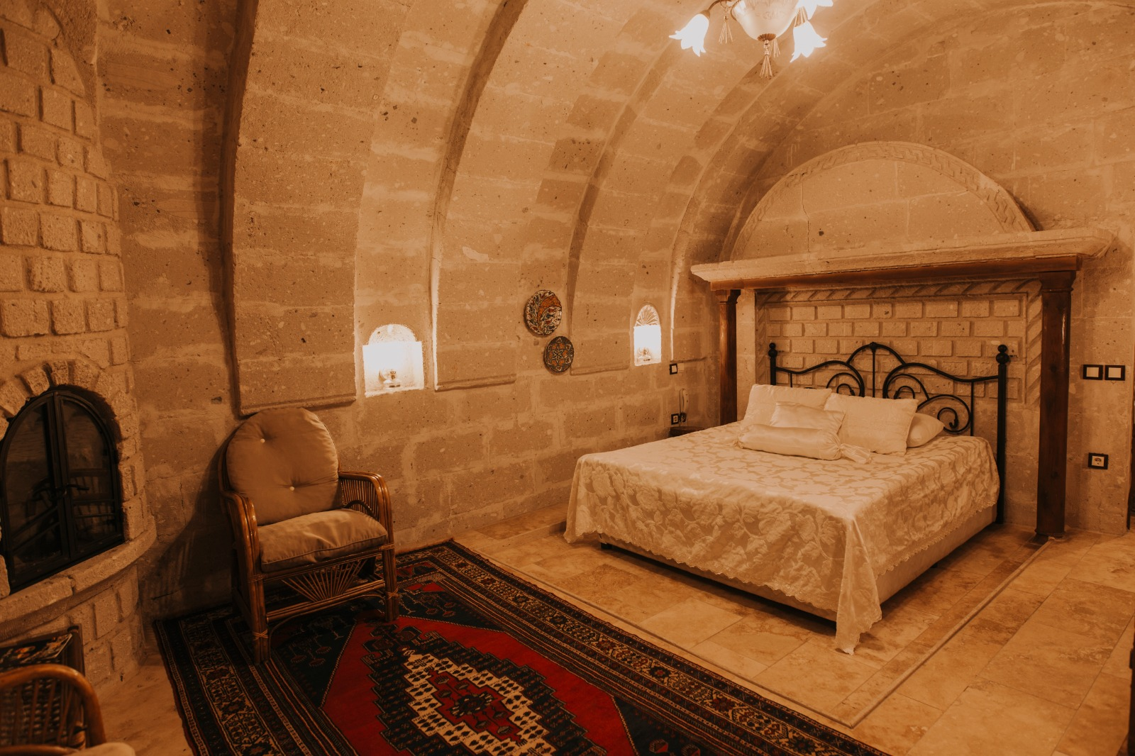 Double Arch Room